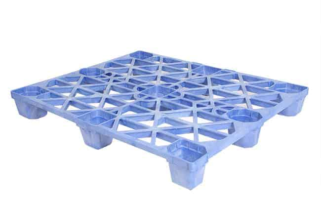 Corona Nestable Plastic Pallet in Blue
