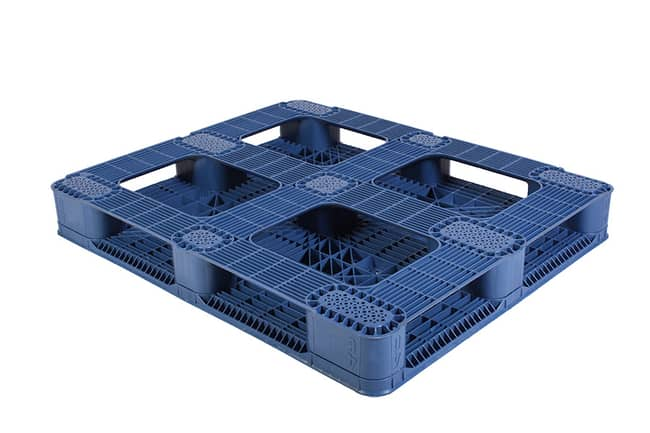 Bottom of Snap Lock 48x40 plastic pallet for racking and FDA applications
