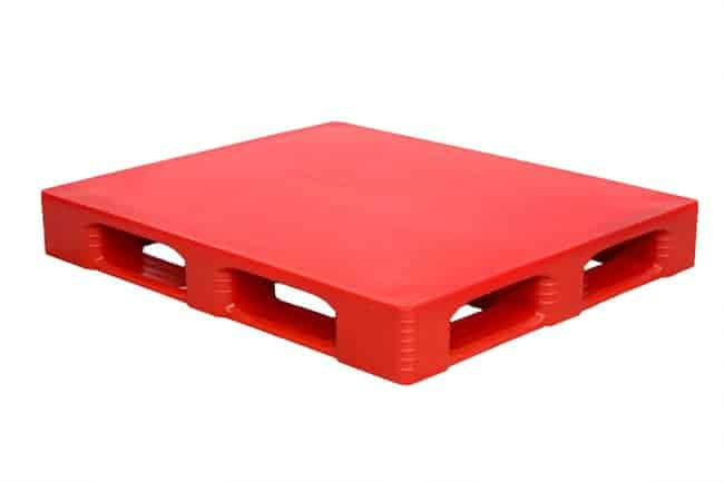 SaniPal 48x40 plastic pallet in Red