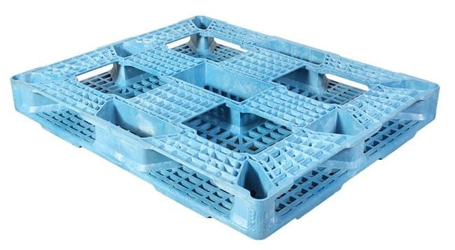 Bottom of Valley Blue 48x40 plastic pallet