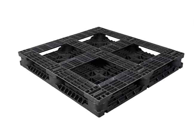 Bottom of HD Racker 48x44 Plastic Pallet