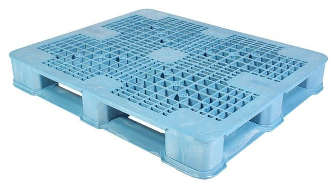 Top of Ranger 48x40 Plastic Pallet in Blue
