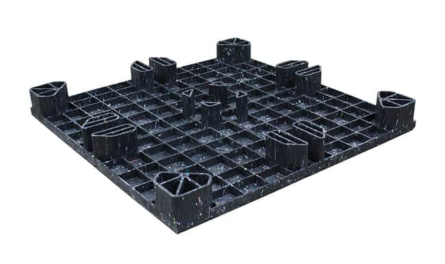Bottom of 45x45 Plastic Reusable Solid Top Pallet