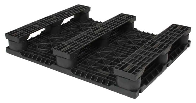 Bottom of 40x32 plastic pallet for racking