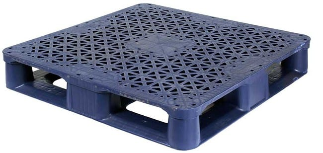 Snap Lock 37x37 rackable plastic pallet