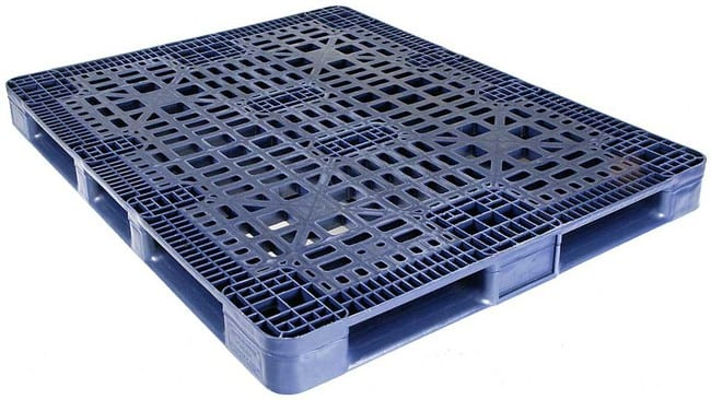 Snap Lock 48x45 plastic pallet for distribution