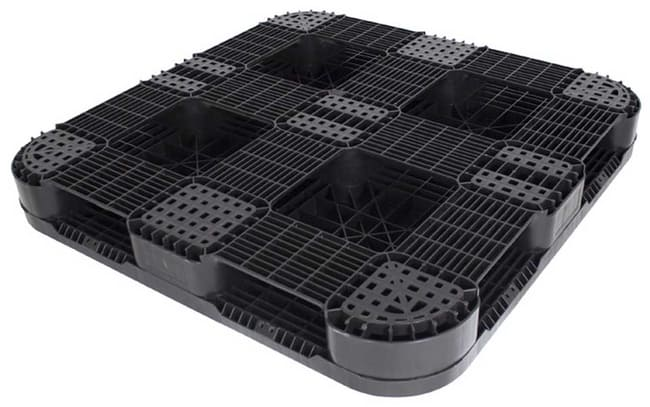 bottom of Snap Lock 48x48 plastic pallet for racking