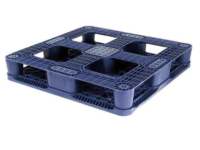 Bottom of 37x37 rackable plastic pallet