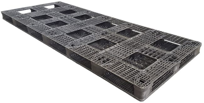 Bottom of 120x48 Plastic Stackable Pallet