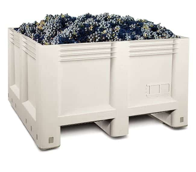 Macro 24S Agricultural Plastic Bin With Grapes