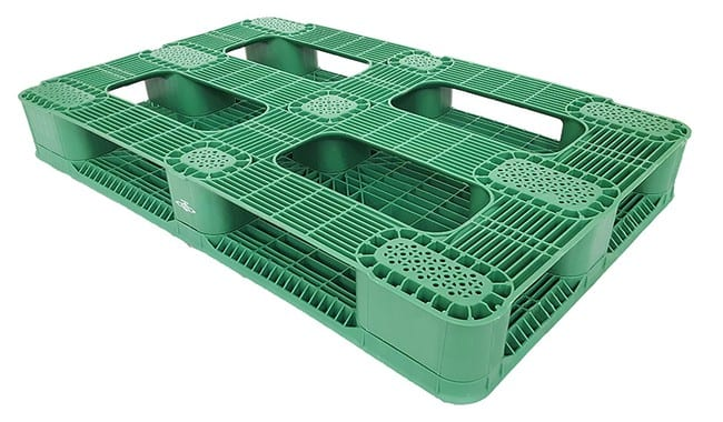 Bottom of 48x30 Stackable Plastic Pallet