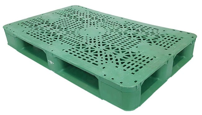 48x30 Stackable Plastic Pallet