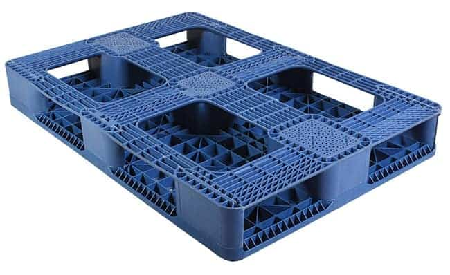 Bottom of 48x33 Plastic Stackable Pallet