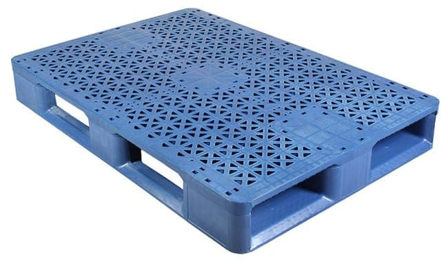 48x33 Plastic Stackable Pallet