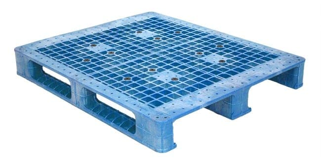 48x40 Plastic Reusable 3-Runner Pallet
