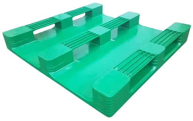 Bottom of 48x48 Stackable SaniPal Plastic Pallet