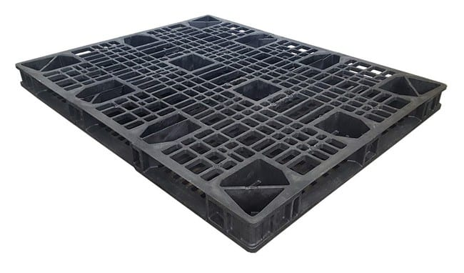 Bottom of 60x48 Stackable Plastic Pallet