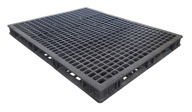 60x48 Stackable Plastic Pallet