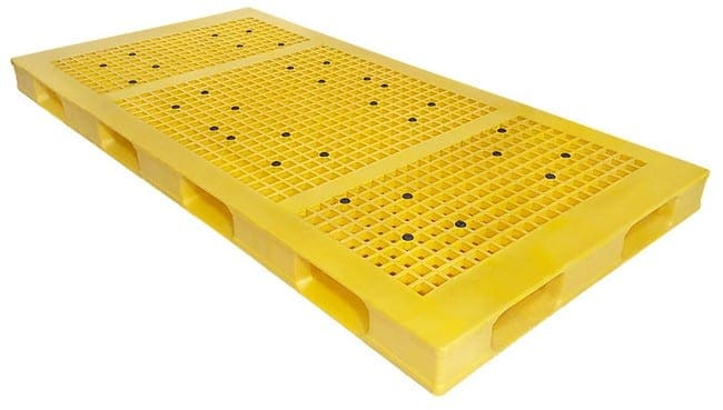 95x48 Stackable Plastic Pallet