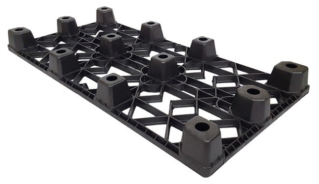 Bottom of 65x32 Nestable Plastic Pallet