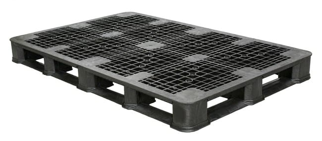 69x45 Stackable Plastic Pallet