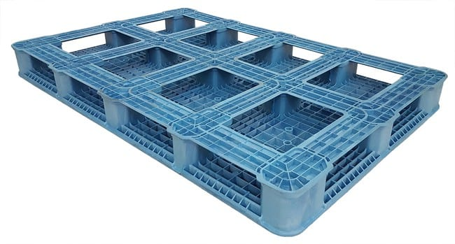 Bottom of 72x48 Plastic Stackable Pallet