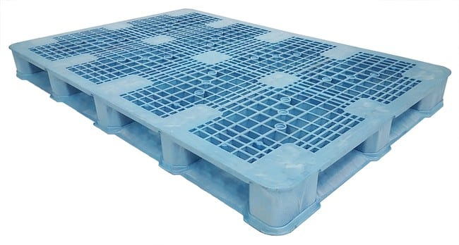 72x48 Plastic Stackable Pallet