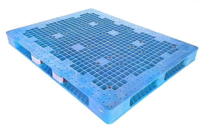 72x54 Stackable Plastic Pallet with Metal Guard Reinforcement