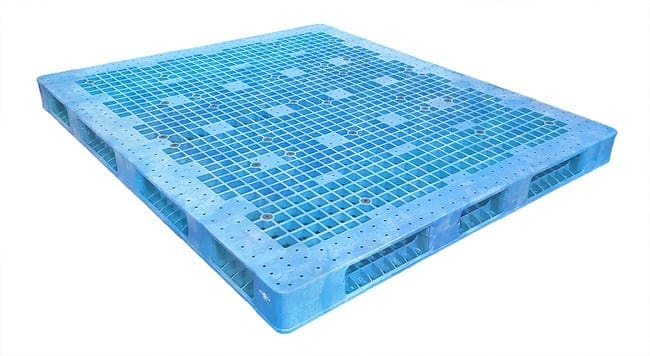 84x72 Stackable Plastic Pallet