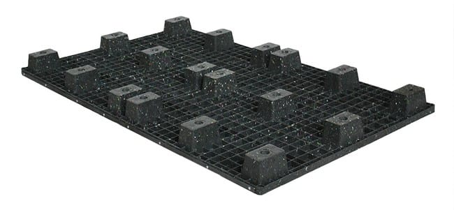 Bottom of 80x48 Nestable Plastic Pallet