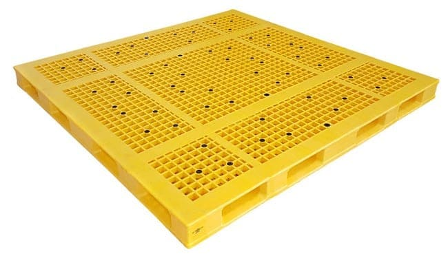 80x80 Stackable Plastic Pallet