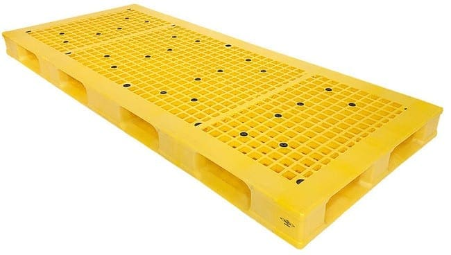 88x37 Stackable Plastic Pallet