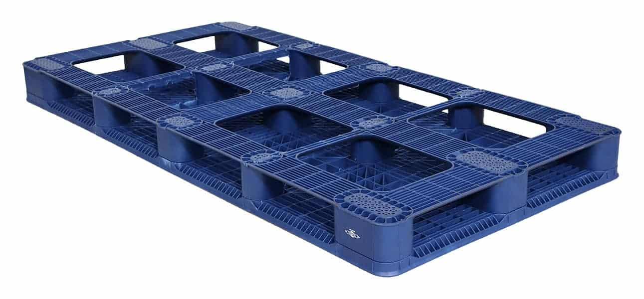 Bottom of 80x40 Plastic Stackable Pallet